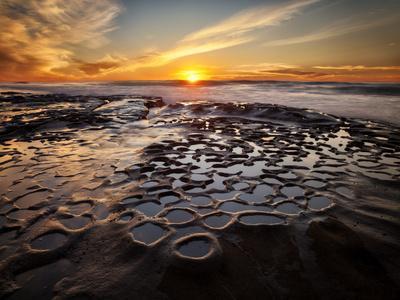 https://imgc.allpostersimages.com/img/posters/usa-california-la-jolla-sunset-at-hospital-reef_u-L-Q1D04HH0.jpg?p=0