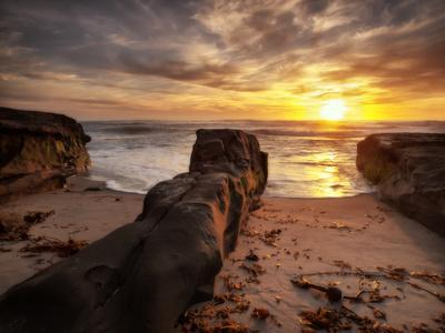 https://imgc.allpostersimages.com/img/posters/usa-california-la-jolla-sunset-coast-blvd-park_u-L-Q1D056H0.jpg?p=0