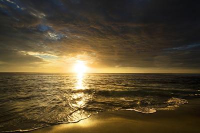 https://imgc.allpostersimages.com/img/posters/usa-california-la-jolla-sunset-over-beach_u-L-Q1CZW0T0.jpg?p=0