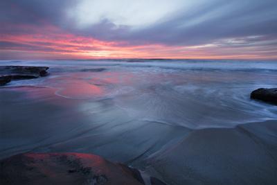 https://imgc.allpostersimages.com/img/posters/usa-california-la-jolla-sunset-over-beach_u-L-Q1CZWHB0.jpg?p=0