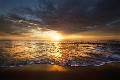https://imgc.allpostersimages.com/img/posters/usa-california-la-jolla-sunset-over-beach_u-L-Q1D05OV0.jpg?p=0