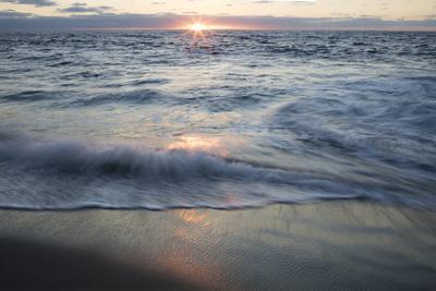 https://imgc.allpostersimages.com/img/posters/usa-california-la-jolla-sunset-over-beach_u-L-Q1D07410.jpg?p=0