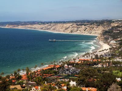 https://imgc.allpostersimages.com/img/posters/usa-california-la-jolla-view-of-la-jolla-shores-and-scripps-pier_u-L-Q12T5A60.jpg?p=0
