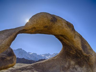 https://imgc.allpostersimages.com/img/posters/usa-california-lone-pine-alabama-hills-mobius-arch-with-lone-pine-peak-and-mount-whitney_u-L-Q1H23JS0.jpg?artPerspective=n