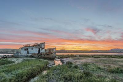 https://imgc.allpostersimages.com/img/posters/usa-california-point-reyes-national-seashore-shipwreck-sunrise_u-L-Q1D0SOM0.jpg?p=0