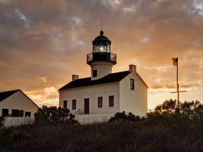 https://imgc.allpostersimages.com/img/posters/usa-california-san-diego-old-point-loma-lighthouse-at-cabrillo-national-monument_u-L-Q12T37K0.jpg?artPerspective=n