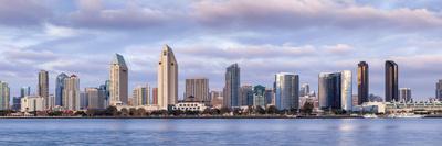 https://imgc.allpostersimages.com/img/posters/usa-california-san-diego-panoramic-view-of-city-skyline_u-L-Q1D06G60.jpg?p=0