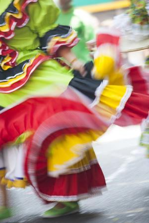 https://imgc.allpostersimages.com/img/posters/usa-california-san-francisco-dancers-in-traditional-dress-at-cinco-de-mayo-parade_u-L-Q1CZV850.jpg?p=0