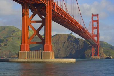 https://imgc.allpostersimages.com/img/posters/usa-california-san-francisco-golden-gate-bridge-and-bay_u-L-Q1D02660.jpg?p=0
