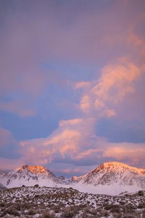 https://imgc.allpostersimages.com/img/posters/usa-california-sierra-nevada-range-sunrise-on-mountains_u-L-Q1D0G7S0.jpg?p=0