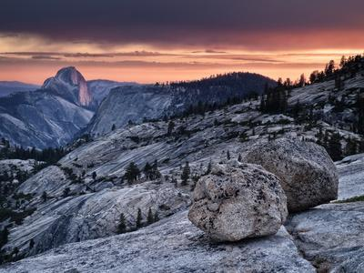 https://imgc.allpostersimages.com/img/posters/usa-california-yosemite-national-park-sunset-light-on-half-dome-from-olmsted-point_u-L-Q12T4SI0.jpg?p=0