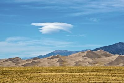 https://imgc.allpostersimages.com/img/posters/usa-colorado-alamosa-great-sand-dunes-national-park-and-preserve_u-L-Q1D0P240.jpg?artPerspective=n