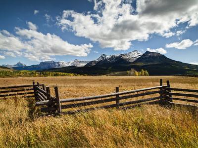 https://imgc.allpostersimages.com/img/posters/usa-colorado-dallas-divide-last-dollar-ranch_u-L-Q12T5JN0.jpg?p=0