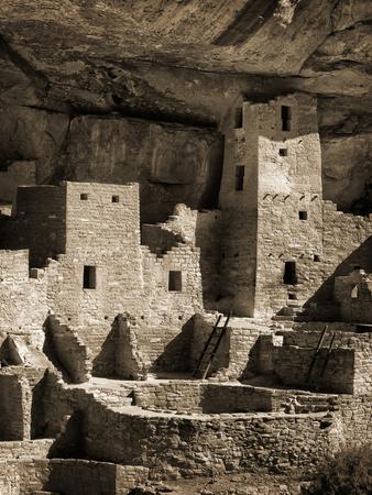 https://imgc.allpostersimages.com/img/posters/usa-colorado-mesa-verde-national-park-cliff-palace-ruin-tinted-monochrome_u-L-Q12TC1E0.jpg?p=0