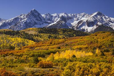 https://imgc.allpostersimages.com/img/posters/usa-colorado-san-juan-mountains-mountain-and-valley-landscape-in-autumn_u-L-Q1D0SSU0.jpg?p=0