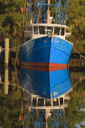 https://imgc.allpostersimages.com/img/posters/usa-florida-apalachicola-shrimp-boat-docked-at-apalachicola_u-L-PU3DA70.jpg?p=0