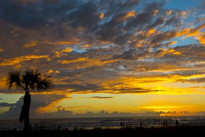 https://imgc.allpostersimages.com/img/posters/usa-florida-sarasota-siesta-key-seascape-at-sunset_u-L-Q1D0O630.jpg?artPerspective=n