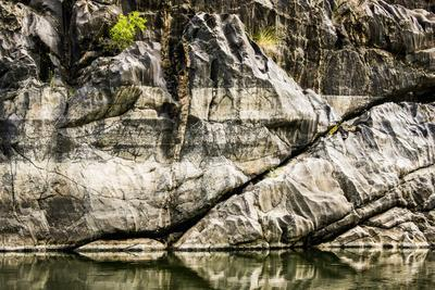 https://imgc.allpostersimages.com/img/posters/usa-idaho-hells-canyon-reach-of-snake-river_u-L-Q1H23KM0.jpg?artPerspective=n