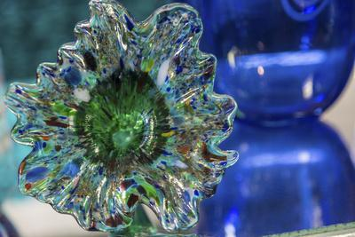 https://imgc.allpostersimages.com/img/posters/usa-indiana-glass-flower_u-L-Q1GC8XW0.jpg?artPerspective=n