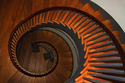 https://imgc.allpostersimages.com/img/posters/usa-kentucky-pleasant-hill-spiral-staircase-at-the-shaker-village_u-L-PU3E500.jpg?p=0
