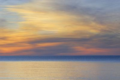 https://imgc.allpostersimages.com/img/posters/usa-michigan-upper-peninsula-lake-superior-sunset_u-L-PU3EW30.jpg?p=0