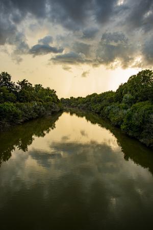 https://imgc.allpostersimages.com/img/posters/usa-mississippi-mississippi-river-basin-sunflower-river-seen-from-woodburn-kinlock-road-bridge_u-L-Q1H23UA0.jpg?artPerspective=n