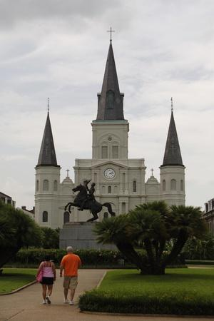 https://imgc.allpostersimages.com/img/posters/usa-new-orleans-cathedral-basilica-of-saint-louis-king-of-france_u-L-POQ44Y0.jpg?p=0