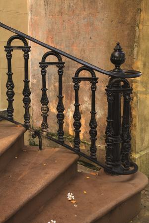 https://imgc.allpostersimages.com/img/posters/usa-savannah-georgia-home-in-the-historic-district-with-wrought-iron-rail_u-L-Q1GC9HL0.jpg?artPerspective=n