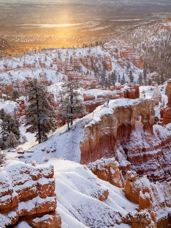https://imgc.allpostersimages.com/img/posters/usa-utah-bryce-canyon-national-park-sunrise-from-sunrise-point-after-fresh-snowfall_u-L-Q12T8W10.jpg?p=0