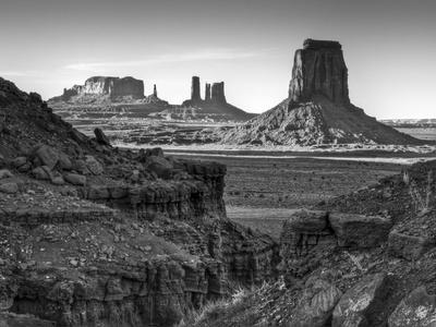 https://imgc.allpostersimages.com/img/posters/usa-utah-monument-valley-view-of-buttes_u-L-Q12SZNU0.jpg?p=0