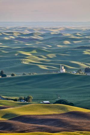 https://imgc.allpostersimages.com/img/posters/usa-washington-state-palouse-view-from-steptoe-butte_u-L-Q1H251C0.jpg?artPerspective=n