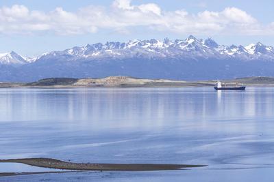 https://imgc.allpostersimages.com/img/posters/ushuaia-anchorage-tierra-del-fuego-patagonia-argentina_u-L-PWFK6F0.jpg?p=0