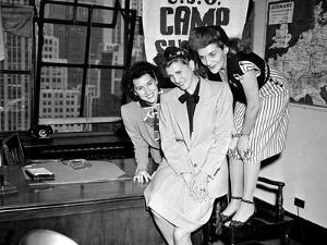 USO Andrews Sisters