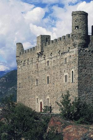 https://imgc.allpostersimages.com/img/posters/ussel-castle_u-L-PP9Z930.jpg?artPerspective=n