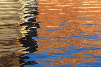 https://imgc.allpostersimages.com/img/posters/utah-glen-canyon-nra-abstract-of-cliff-reflection-in-lake-powell_u-L-PU3MX60.jpg?artPerspective=n
