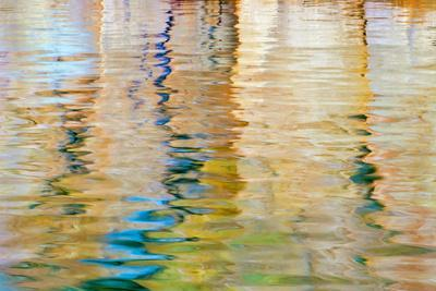 https://imgc.allpostersimages.com/img/posters/utah-glen-canyon-nra-abstract-of-cliff-reflection-in-lake-powell_u-L-PU3NN60.jpg?p=0