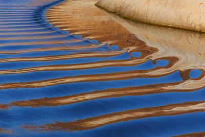https://imgc.allpostersimages.com/img/posters/utah-glen-canyon-nra-abstract-of-cliff-reflection-in-lake-powell_u-L-PU3NNL0.jpg?artPerspective=n