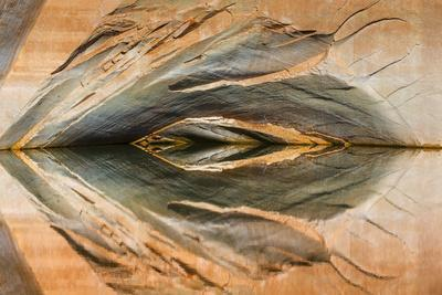 https://imgc.allpostersimages.com/img/posters/utah-glen-canyon-nra-abstract-reflection-of-stained-sandstone-wall_u-L-PU3NOF0.jpg?p=0