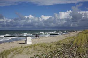Baltic Beach Close Ahrenshoop by Uwe Steffens