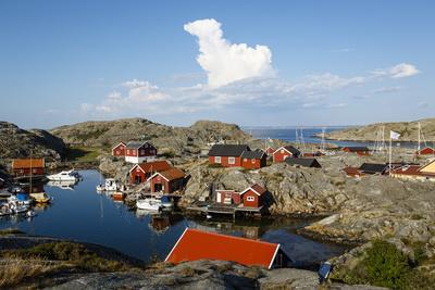 https://imgc.allpostersimages.com/img/posters/vaderoarna-the-weather-islands-archipelago-bohuslan-region-west-coast-sweden_u-L-PWFM7I0.jpg?p=0
