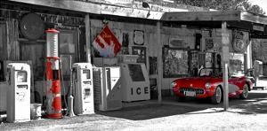 Vintage gas station on Route 66 by Vadim Ratsenskiy