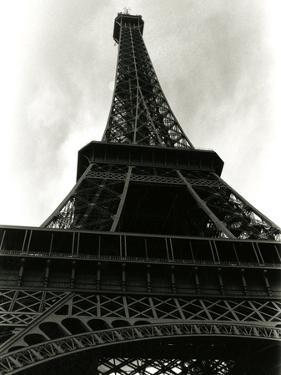 Paris, France - La Tour Eiffel by Valentine Evans