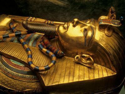 https://imgc.allpostersimages.com/img/posters/valley-of-the-kings-golden-coffin-tutankhamun-egypt_u-L-P583K40.jpg?p=0