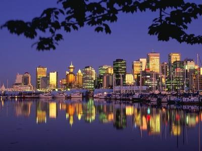 https://imgc.allpostersimages.com/img/posters/vancouver-and-lost-lagoon-at-night_u-L-PZKOPD0.jpg?p=0
