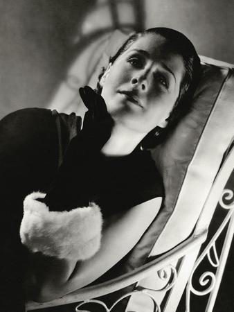 https://imgc.allpostersimages.com/img/posters/vanity-fair-november-1933_u-L-PEP3390.jpg?p=0