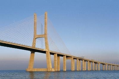https://imgc.allpostersimages.com/img/posters/vasco-da-gama-bridge-over-tagus-river-tejo-which-connects-montijo-and-sacavem-lisbon-portugal_u-L-PV8CET0.jpg?p=0