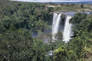 Venezuela and Guyana, Canaima National Park, Kama Falls in Gran Sabana