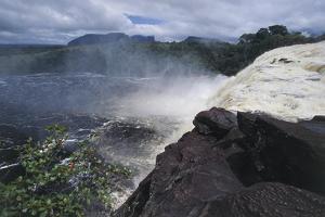 Venezuela and Guyana, Canaima National Park, Salto El Sapo Fall