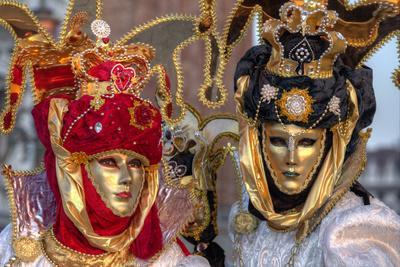 https://imgc.allpostersimages.com/img/posters/venice-at-carnival-time-italy_u-L-Q12T8KN0.jpg?p=0