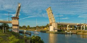 Venice Avenue liftbridge over Gulf Intracoastal Waterway, Venice, Florida, USA